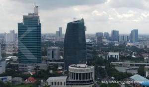 Logo Adaro Energy di gedung kantor pusat ADRO, Jakarta, Jumat (4/2). KONTAN/Carolus Agus Waluyo/04/02/2019.